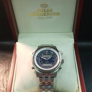Mens Avaitor watch silver band